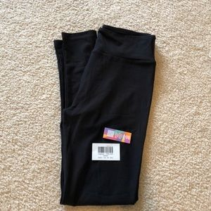 NWT OS LuLaRoe Jet Black Leggings